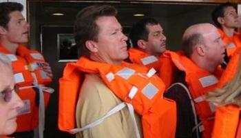 Resultado de imagem para segurança navios passageiros